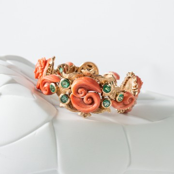 Bracciale antico oro giallo corallo e smeraldi