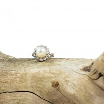 Anello perla akoja e diamanti '70